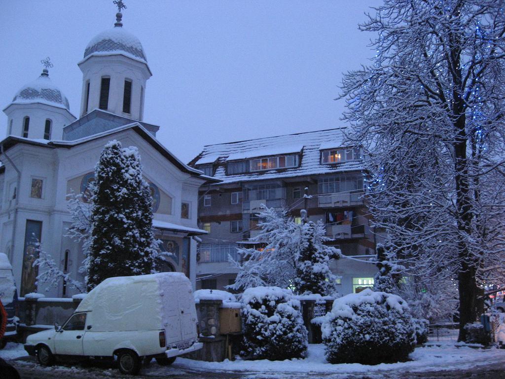 biserica din bascov iarna